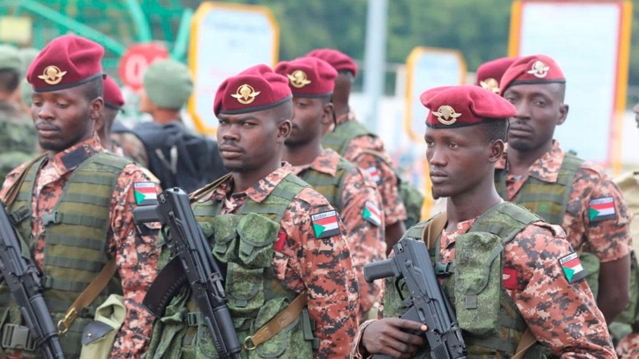 Десантники из Катара, Алжира и Судана провели предпрыжковую подготовку перед «Десантным взводом»