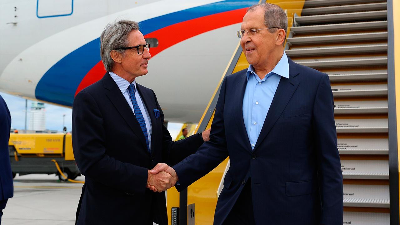Лавров прибыл с рабочим визитом в Вену