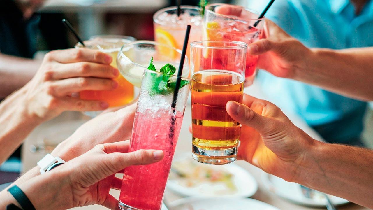 Мясников назвал напиток для борьбы с «ковидным хвостом»