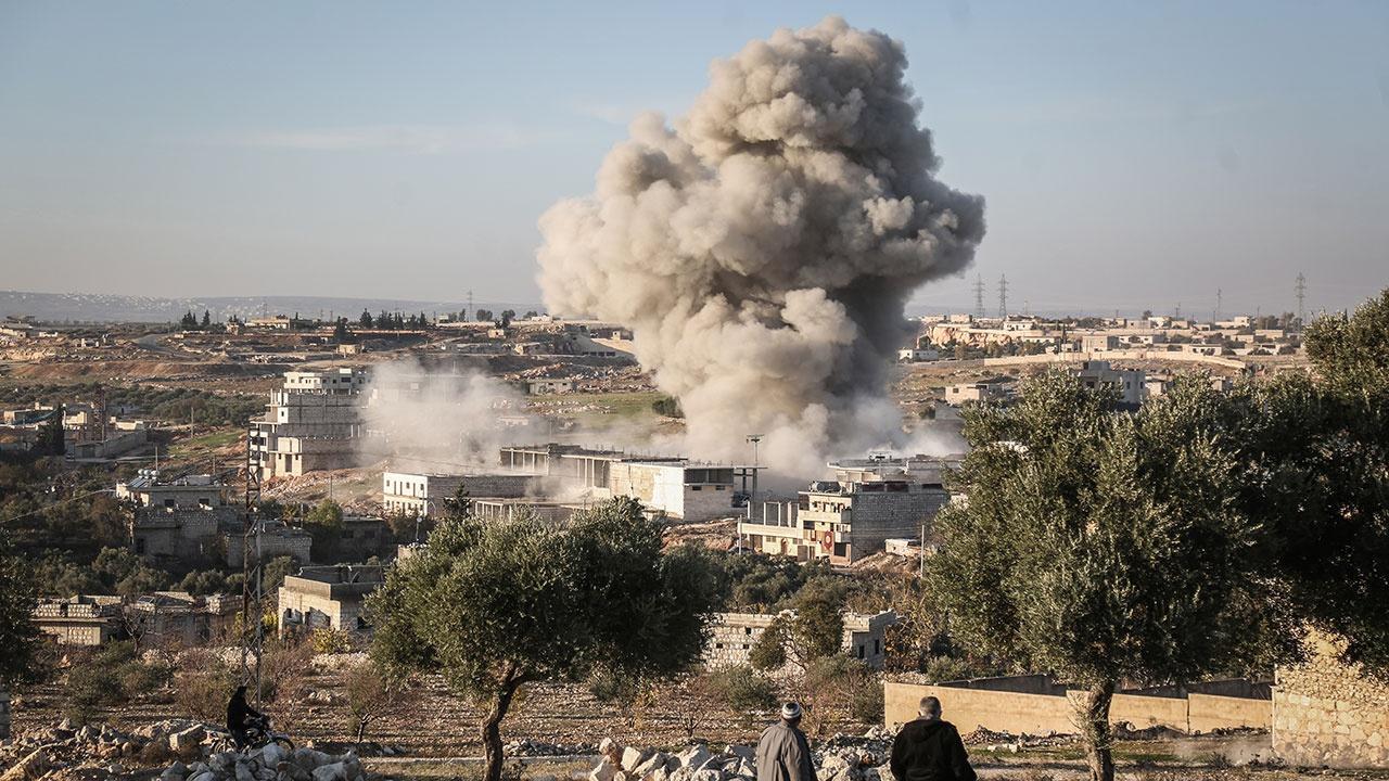 Сирийский военнослужащий получил ранение при обстреле провинции Идлиб