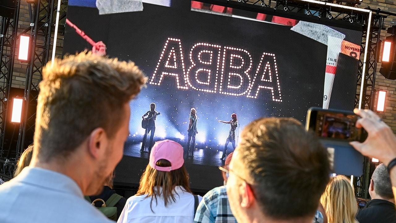 ABBA Voyage: легендарная группа выпустила новый альбом и отправляет свои голограммы в турне