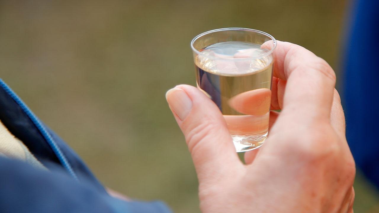 Эксперт назвал причины падения спроса на водку в России