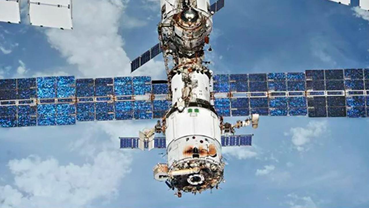 Новицкий и Дубров вернулись на МКС после работ в открытом космосе