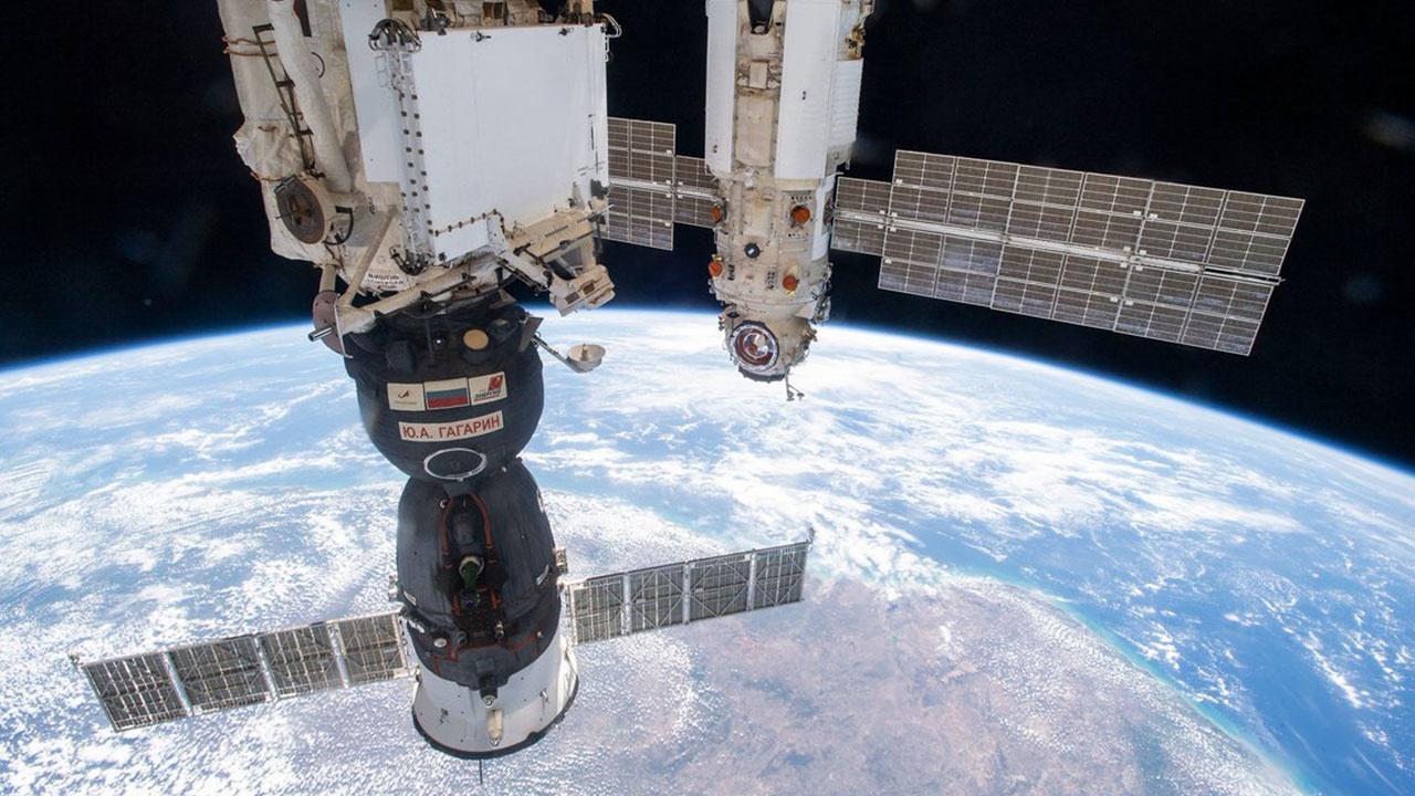 В Роскосмосе сообщили о корректировке высоты орбиты МКС