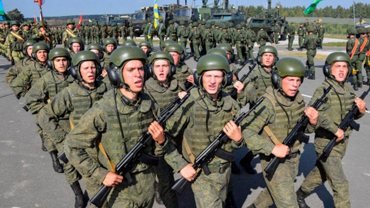 Лукашенко заявил, что армии РФ и Белоруссии готовы к выполнению задач по обеспечению безопасности