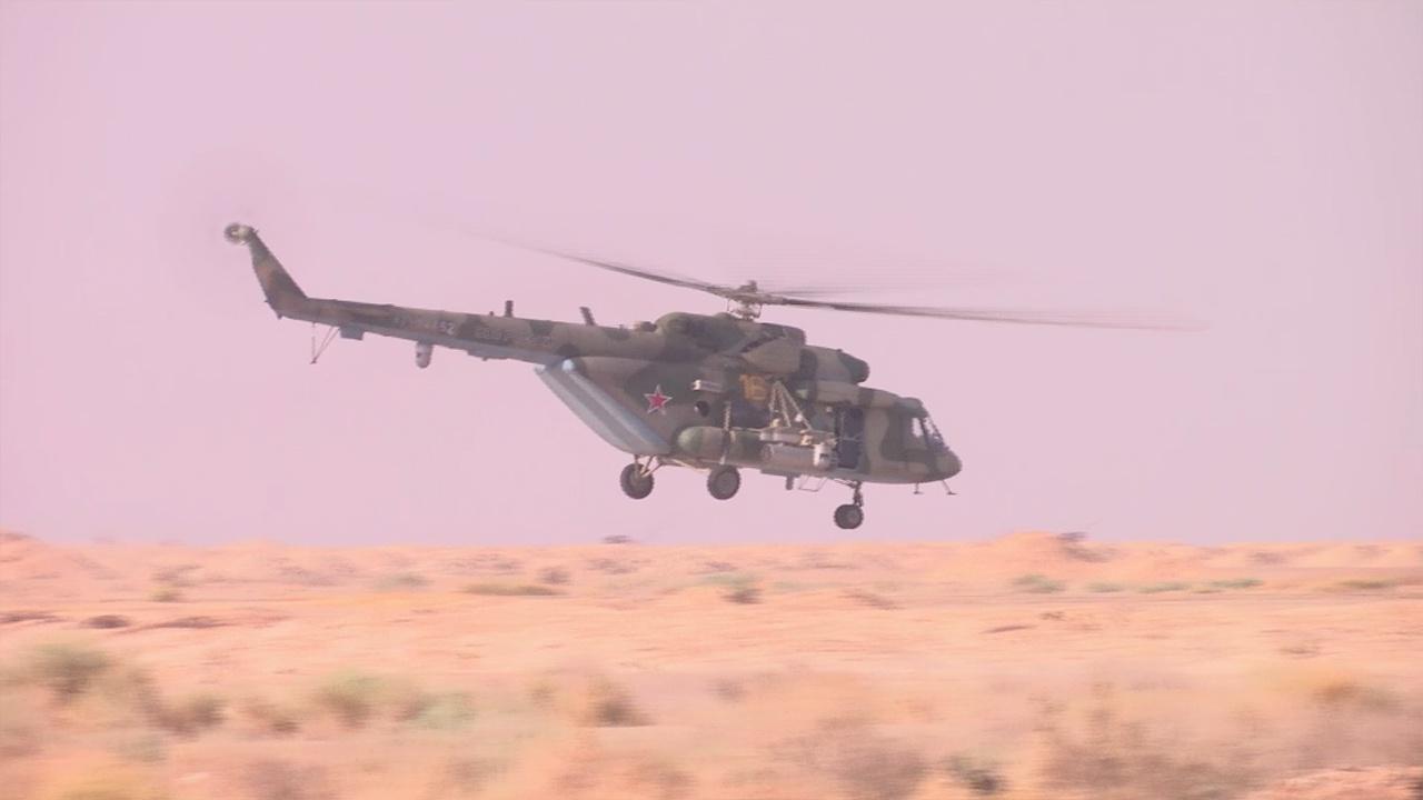 Экипажи ударных вертолетов ВКС и ЗВО уничтожили объекты условного противника в ходе учений «Запад-2021»