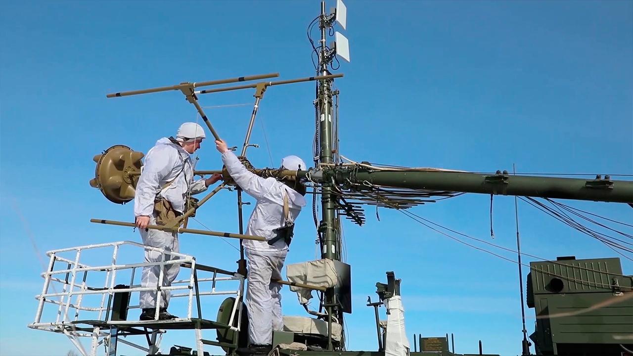 Мобильная группа РЭБ ЗВО подавила около 100 объектов радиоизлучения «противника» в рамках ССУ «Запад-2021»