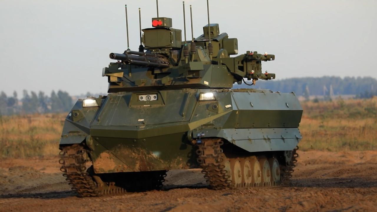Россия впервые применила роботы «Уран-9» в боевых порядках с людьми на «Западе-2021»