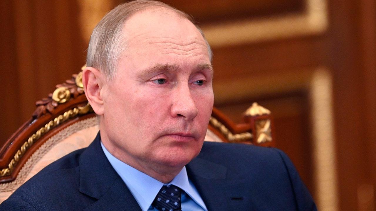 Песков прокомментировал слова Путина о его уходе на карантин