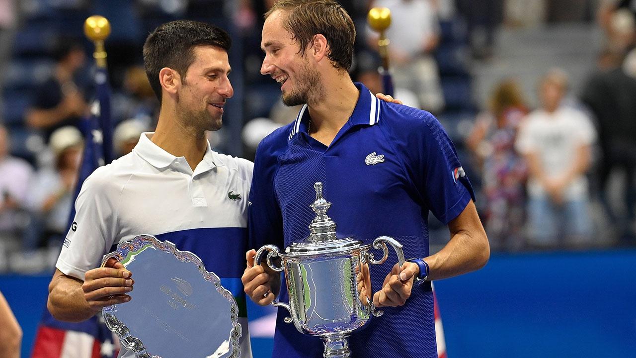Джокович поздравил Медведева с победой на US Open на русском языке