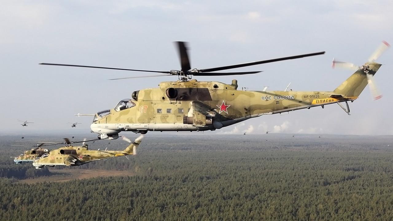 Могучие вертолеты: кадры винтокрылых машин с учений «Запад-2021» под Нижним Новгородом