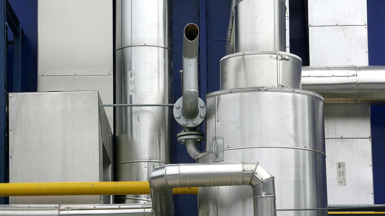 Цена на газ в Европе впервые превысила 800 долларов за тысячу кубометров