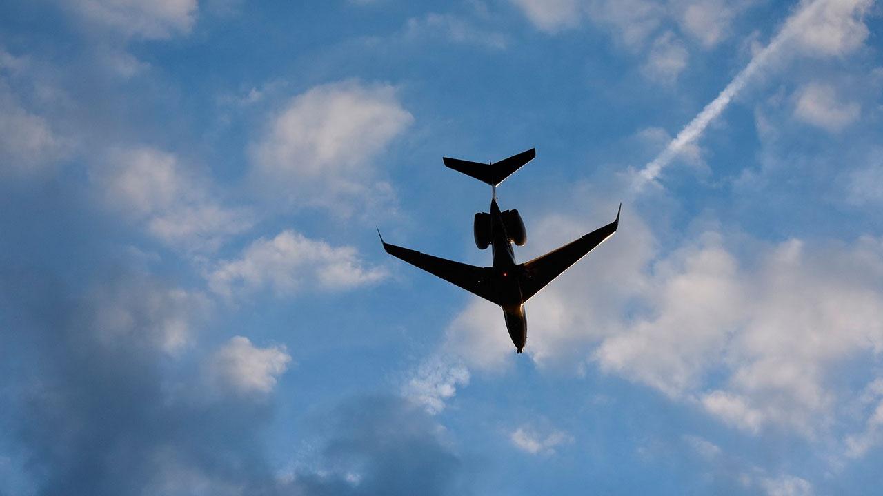 Самолет Йошкар-Ола - Москва вернулся в аэропорт из-за отказа двигателя