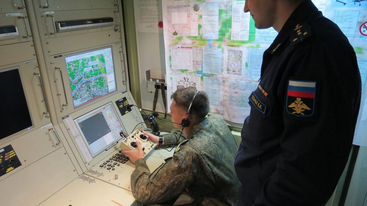 Борисов заявил, что военные вузы активно готовят операторов по работе с беспилотниками