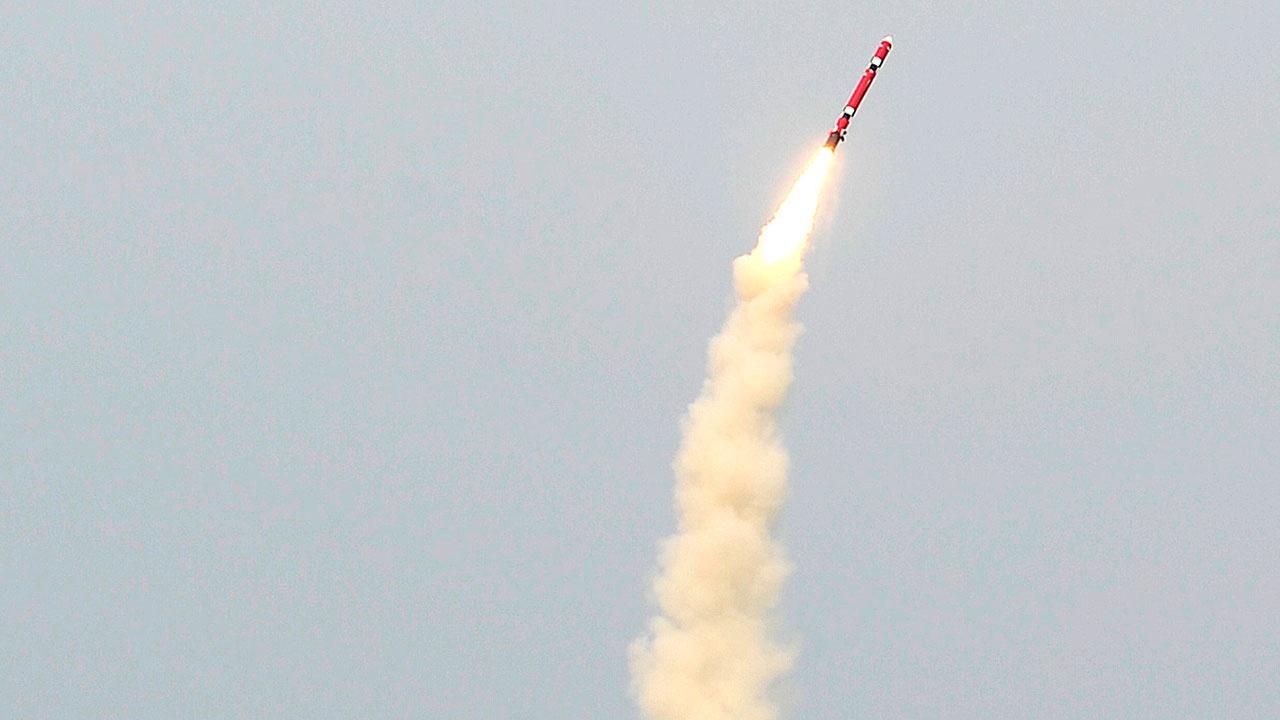 Успешный пуск баллистической ракеты осуществлен с подлодки в Южной Корее
