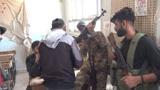 Жители деревни в сирийской провинции Деръа массово сдают оружие и выходят из оппозиции