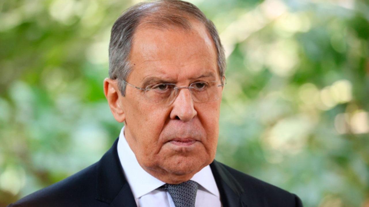 Лавров призвал Украину иметь достоинство и перестать все время клянчить