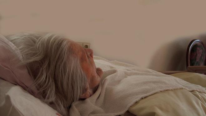 Ученые рассказали, как потребление пищи связано с болезнью Альцгеймера