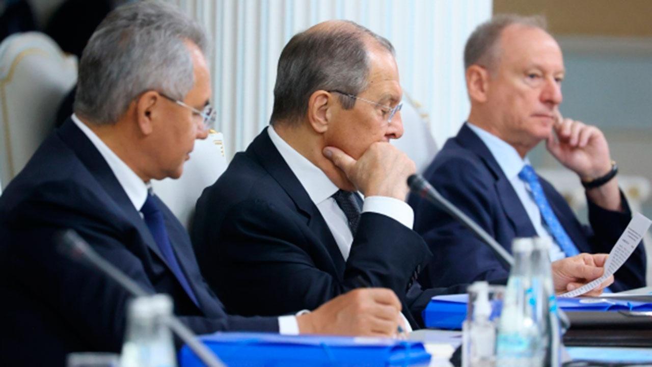 Лавров назвал серьезными данные о вмешательстве США в дела России