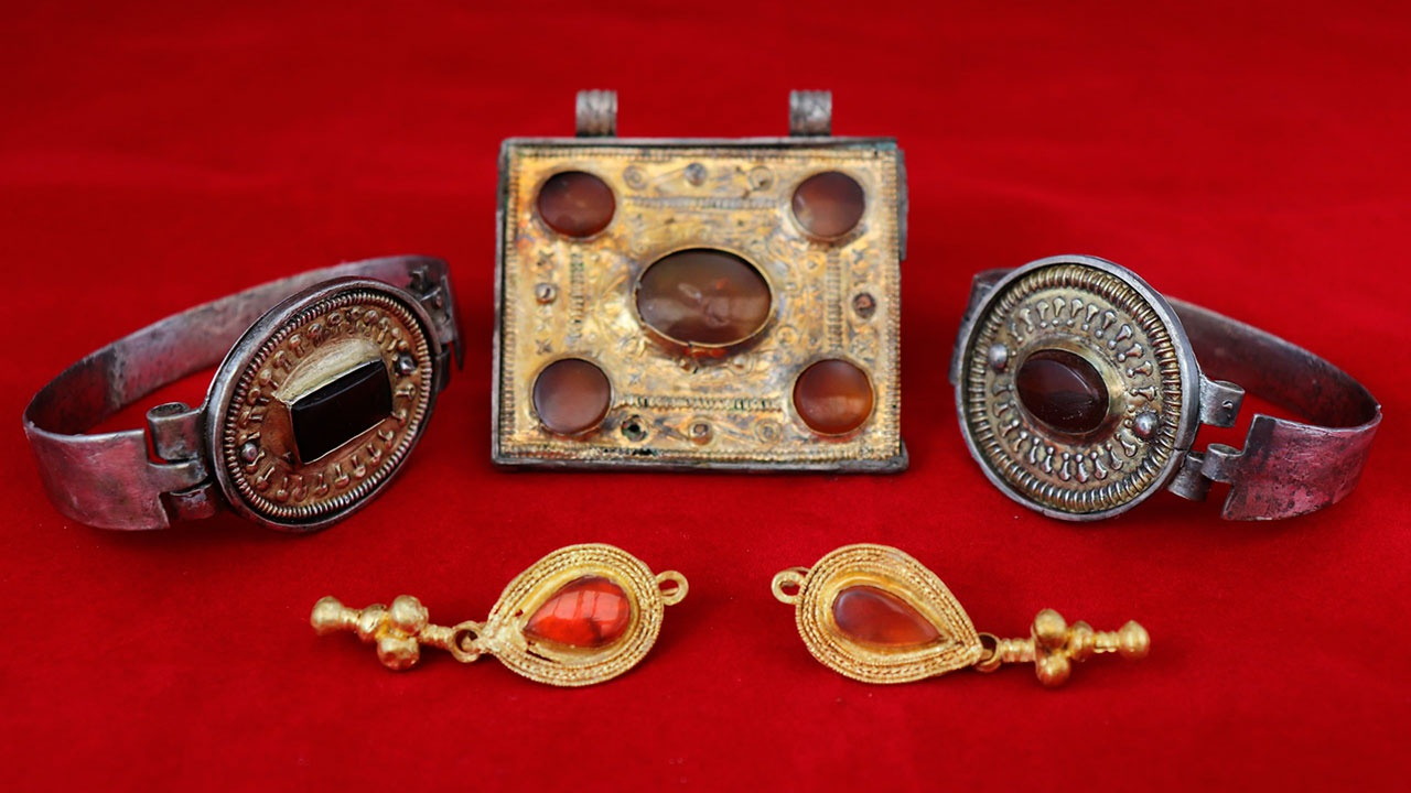 Редкая коллекция украшений III века н.э. обнаружена крымскими археологами
