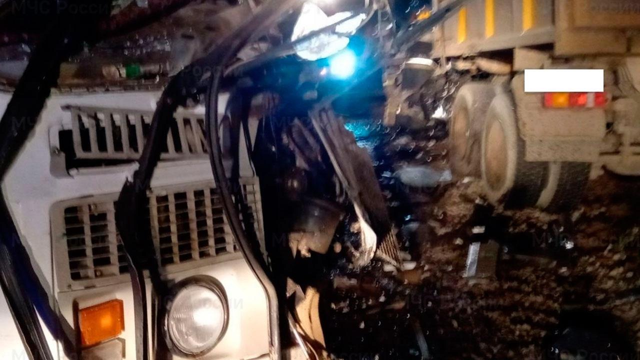 В МЧС сообщили о трех погибших в аварии с автобусом и грузовиком под Калугой