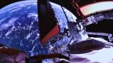 Китайский корабль «Шэньчжоу-12» отделился от модуля для возвращения на Землю