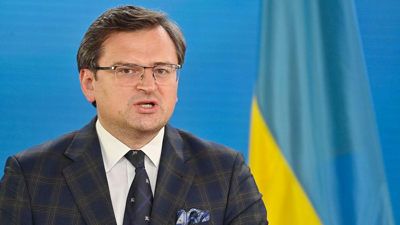 Зеленский прервал трансляцию брифинга главы МИД Украины после его критики в отношении ООН из-за Крыма