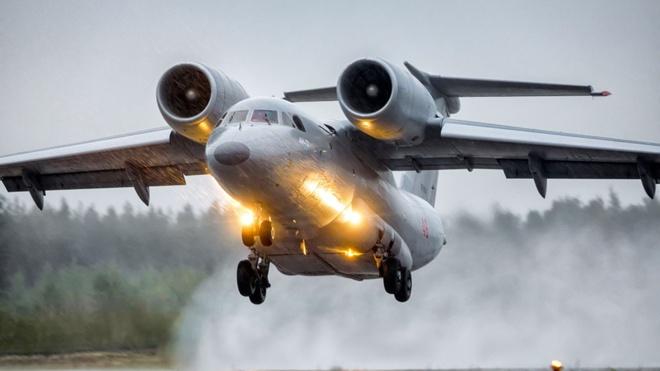 Сквозь тьму пронзая облака: экипажи ВТА выполнили полеты в Ленобласти