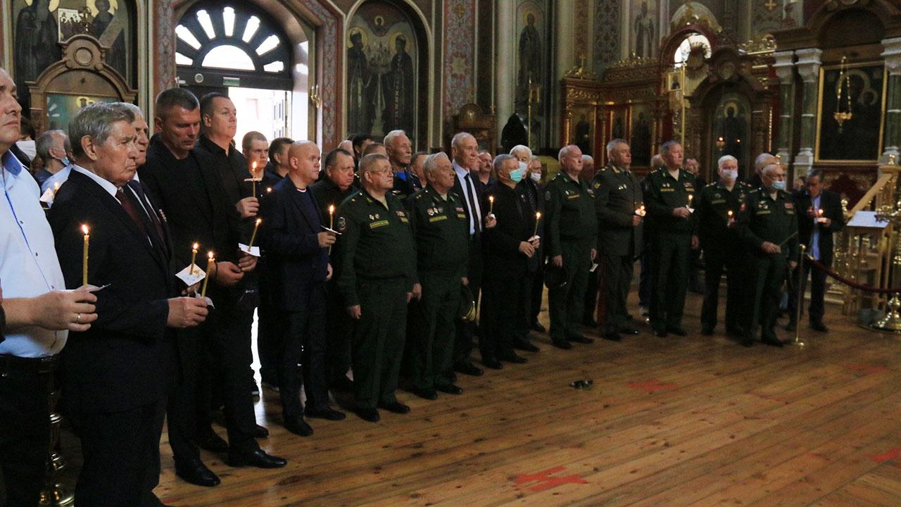 В Краснодаре проходит церемония прощания с генералом Казанцевым