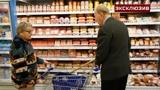 Диетолог перечислил запрещенные после 50 лет продукты
