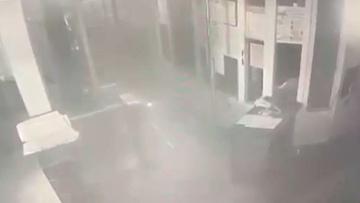 Опубликованы кадры подрыва двери отделения полиции под Воронежем
