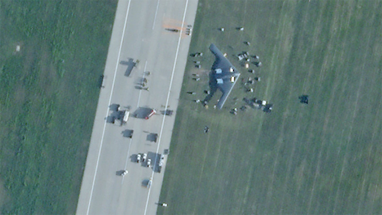 Опубликовано фото аварийно севшего бомбардировщика B-2 Spirit