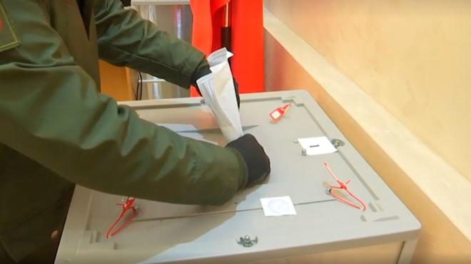 Главкомы ВКС, ВМФ и Сухопутных войск проголосовали на выборах в Госдуму России