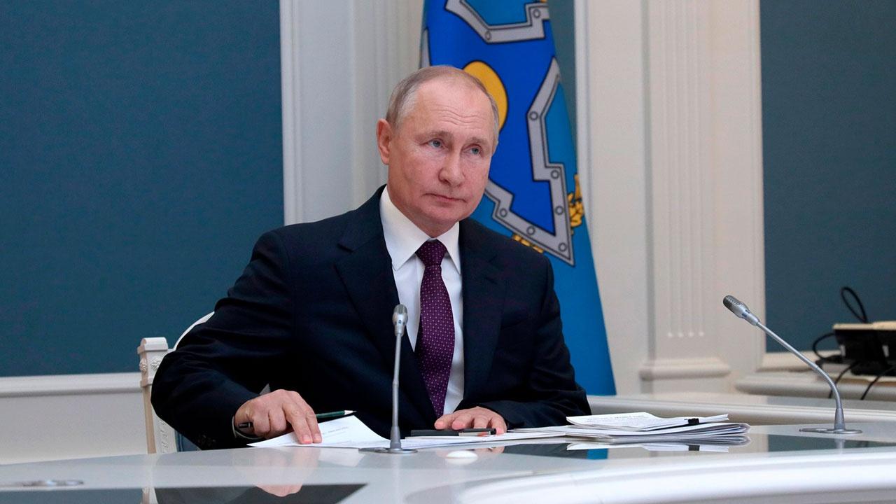 Песков заявил, что Путин чувствует себя хорошо