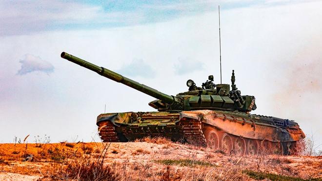 ВС РФ приняли на вооружение боеприпас для защиты бронетехники от высокоточного оружия