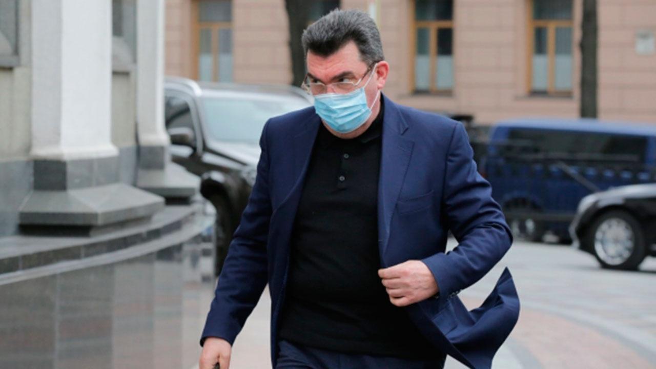 Секретарь СНБО Украины поругался с журналистом из-за вопроса на русском языке