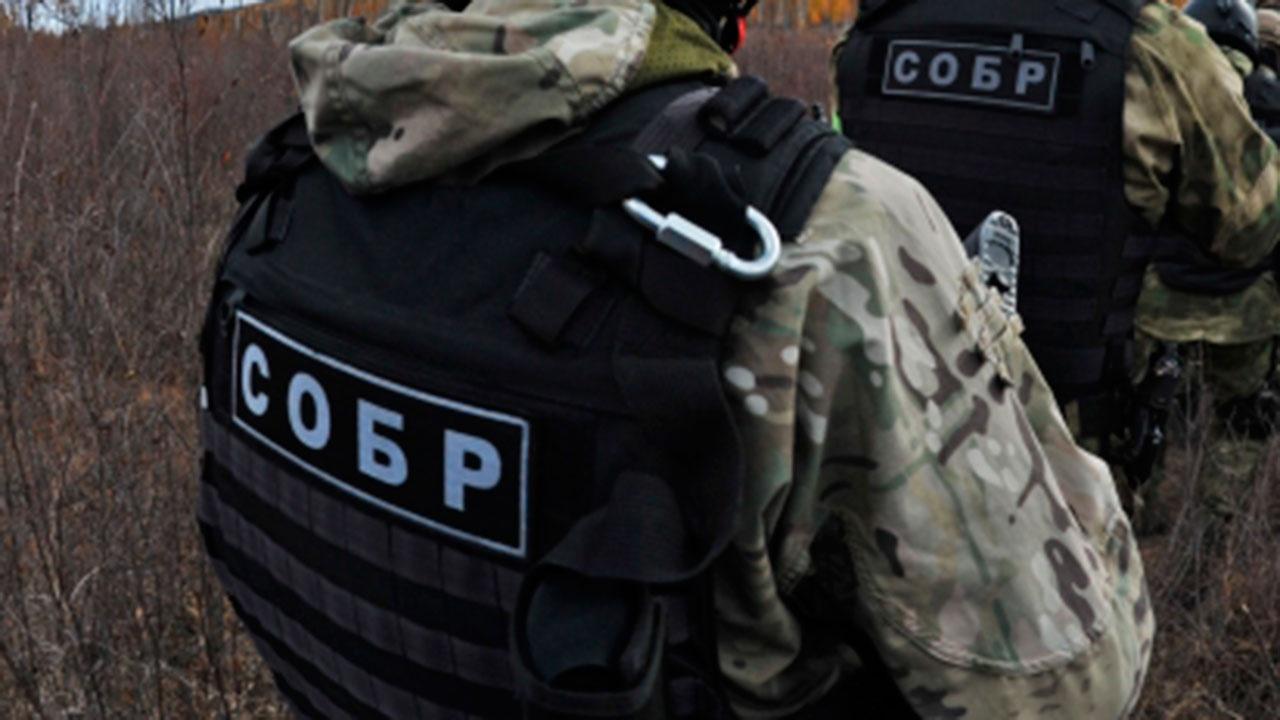 СМИ побывали в доме подозреваемого в убийстве семьи из Воронежской области