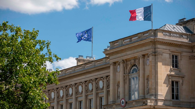 Глава МИД Франции рассказал о серьезном кризисе в отношениях Вашингтона и Парижа