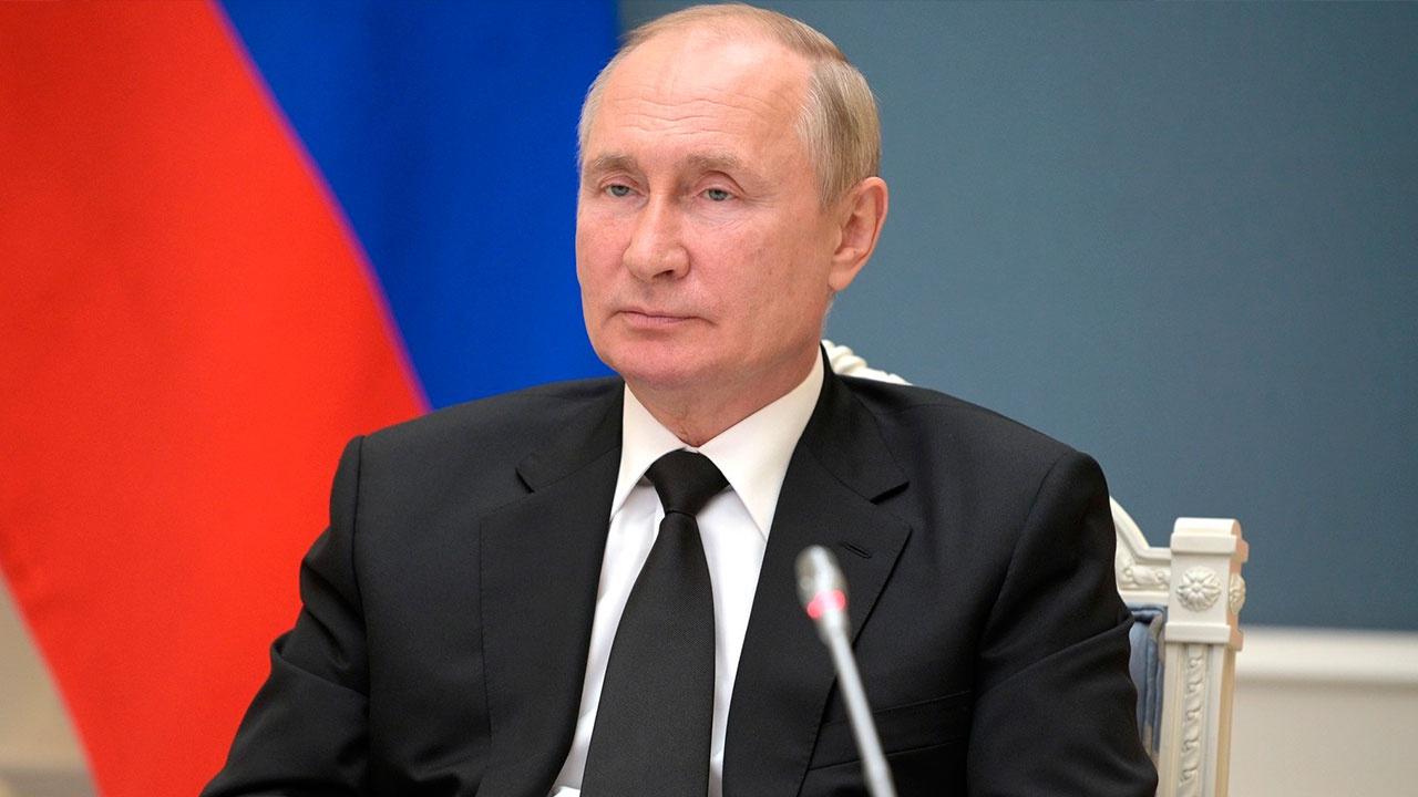 Путин продлил действие контрсанкций на 2022 год
