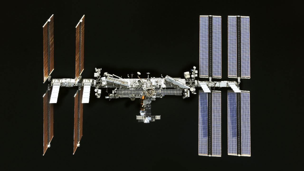 Центр подготовки космонавтов впервые показал, как засверливали трещины на МКС