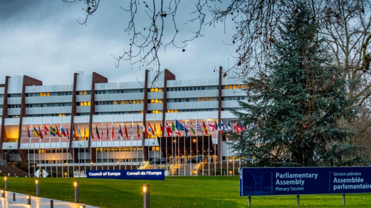 В Совфеде назвали дискриминацией запрет на перемещение для привитой «Спутником V» российской делегации в ПАСЕ