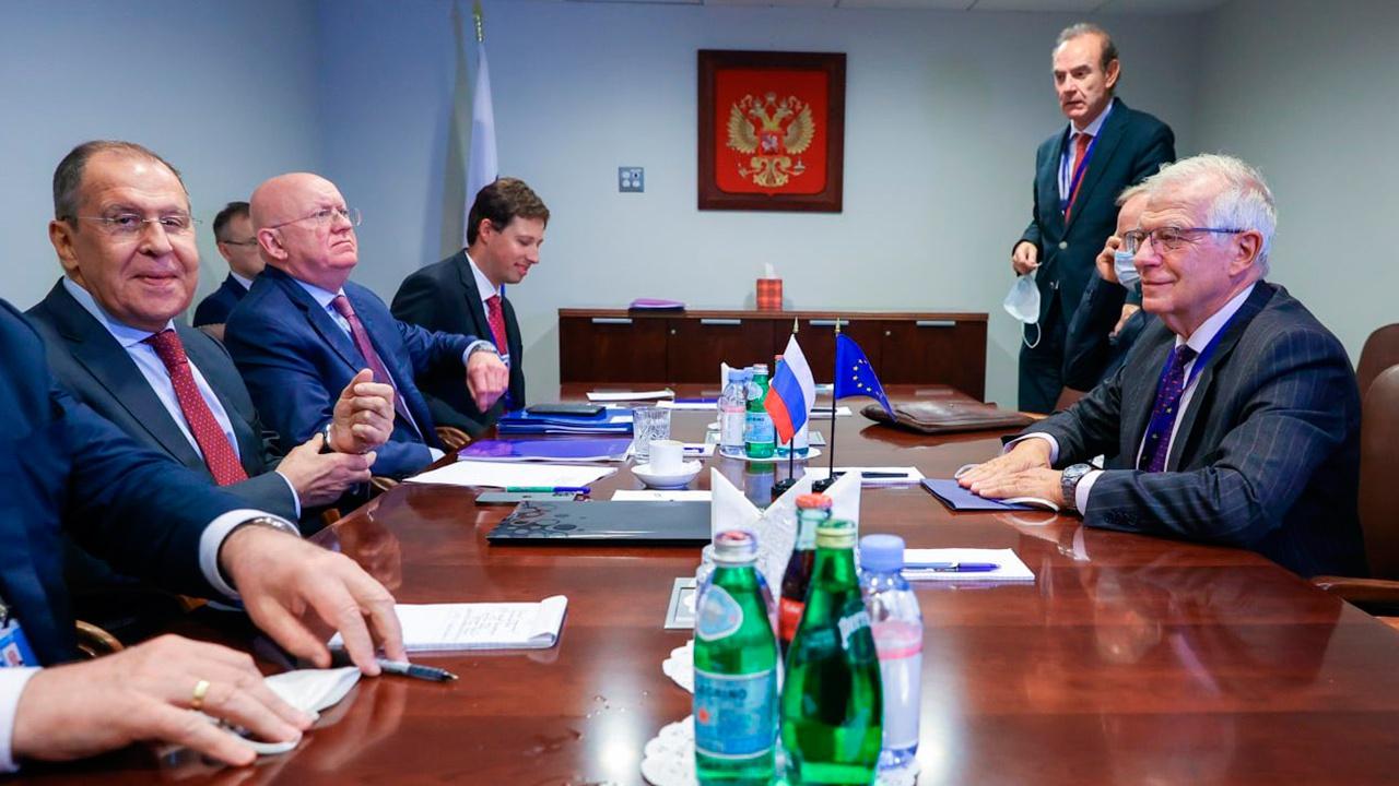 В МИД РФ рассказали, о чем на полях Генассамблеи ООН говорили Лавров и Боррель