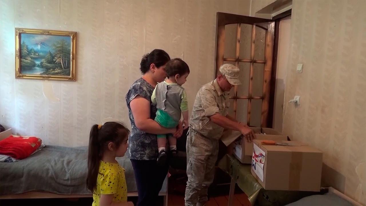 Миротворцы РФ в Карабахе провели гуманитарную акцию для многодетных семей
