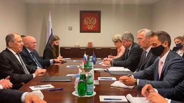Лавров встретился с генсеком НАТО на полях сессии ГА ООН
