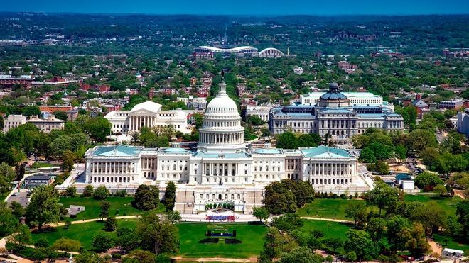 Палата представителей США приняла военный бюджет с новыми санкциями против России