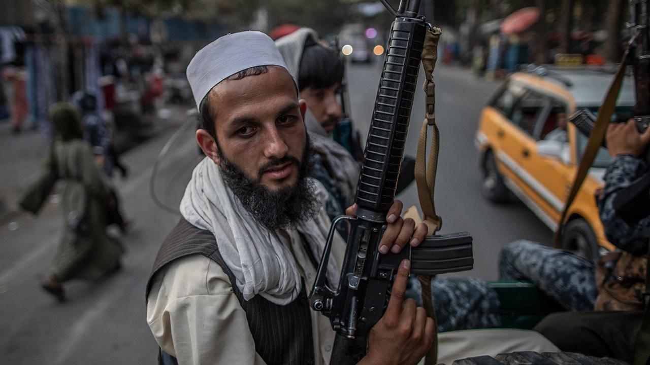 США разрешили проводить финансовые операции с «Талибаном»*