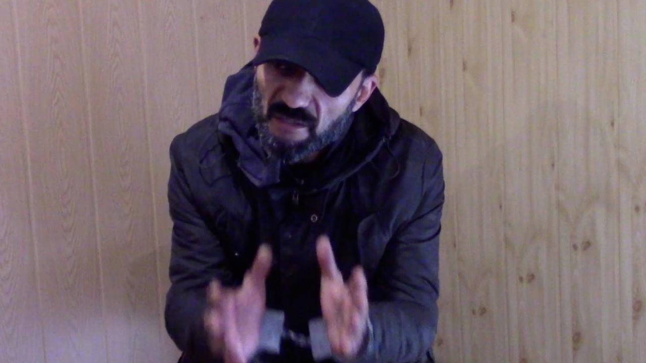 «Обещали помочь»: кадры допроса нарушившего границу РФ участника операции украинской полиции