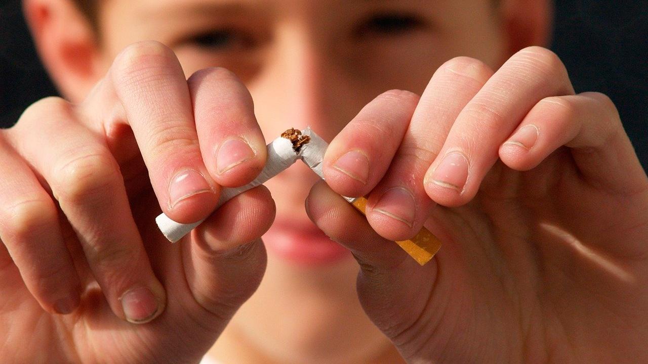 Мясников назвал эффективный способ бросить курить