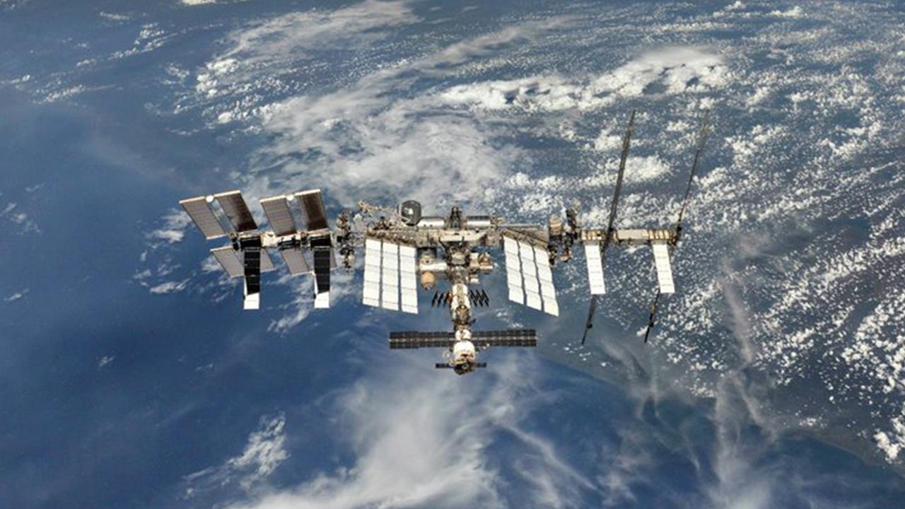 В NASA назвали дату отправки первого гражданского экипажа на МКС