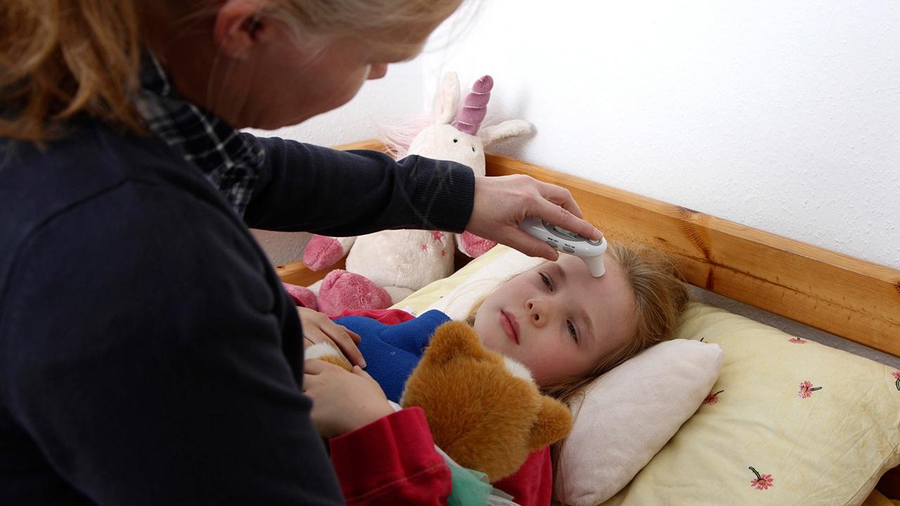 Эксперт Роспотребнадзора рассказал об уязвимости младенцев перед коронавирусом